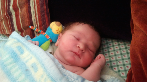מה מאיר אריאל יודע על לידה?